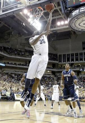 Robinson, Pitt knock off No. 9 Georgetown 72-60