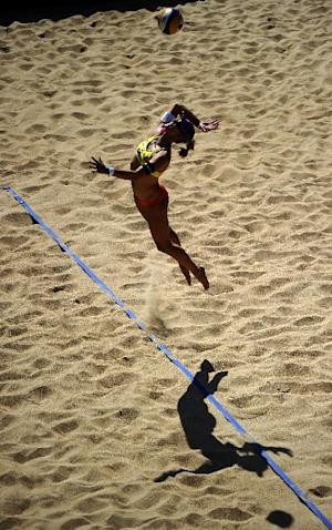 Beach Volleyball: Female players offered 2012 shorts option