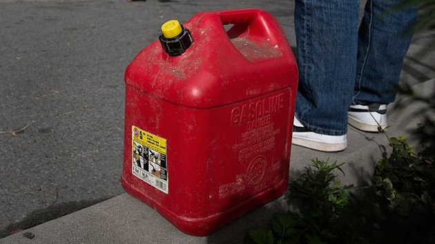 Post-Sandy Black Market Gas at $20 (ABC News)