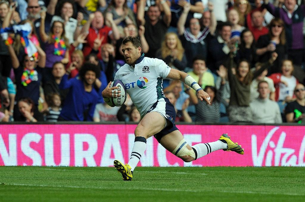 Scotland wing their way to record rout of Italy