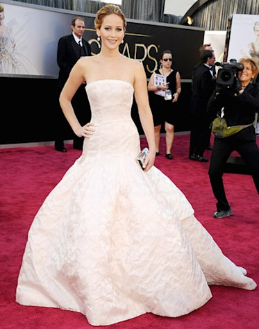 Jennifer Lawrence Wears Dior Haute Couture Gown With a Backwards Necklace to Oscars