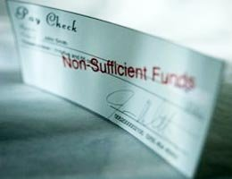 8-signs-flirting-with-financial-ruin-6-overdraft-lg