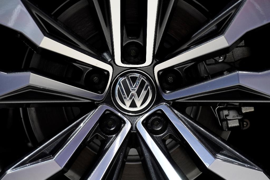 VW to pay $15 bn to settle emissions scandal in US: report