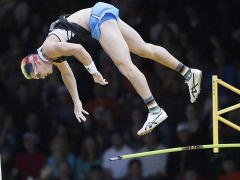 jordan scott at the us pole vault olympic trials