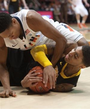 Illinois ends 6-game skid with 65-54 win over Iowa
