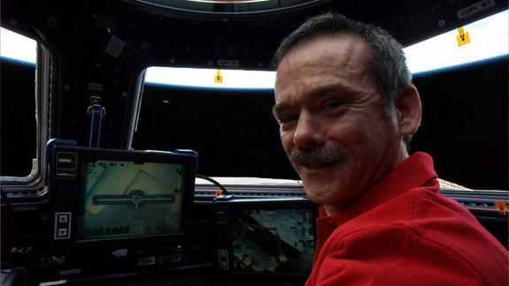 Astronaut Catches Alien on Space Station in April Fools' Prank