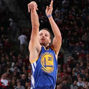 Curry Sparks Warriors