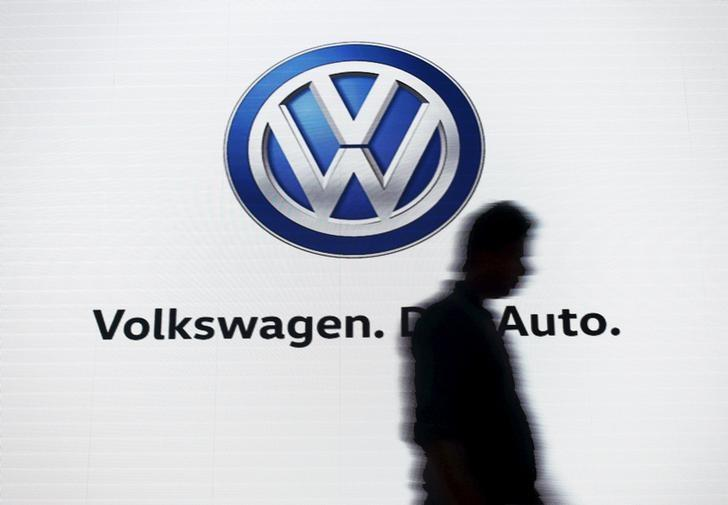 Peers circle Volkswagen's large engines unit - sources