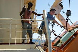 'Captain Phillips' Review: Taut Suspense, Iffy Racial Politics, Unfussy Tom Hanks