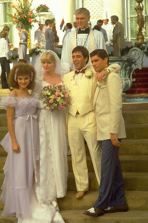 Mary Elizabeth Mastrantonio Michelle Pfeiffer Steven Bauer Scarface Production Stills Universal 1983