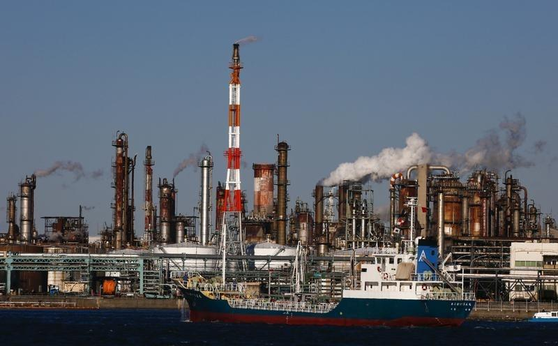 Oil up on Iraq concerns but poised for record seven-month drop