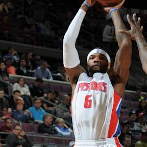 Smith Leads Pistons Past Kings
