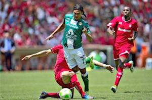 Tom Marshall: Pena boost for Mexico as Leon advances into Liga MX final