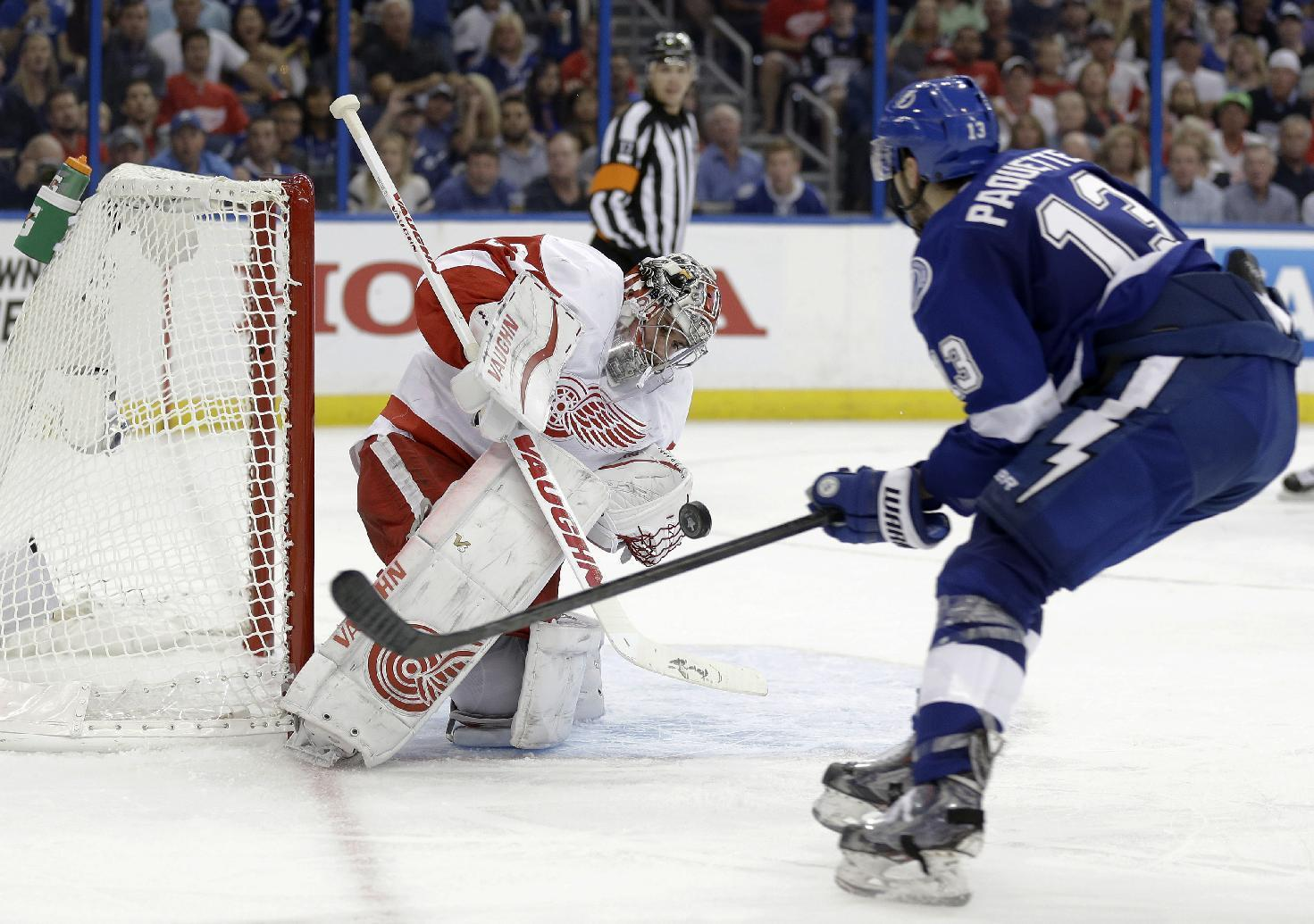 Mrazek passes big test, Red Wings beat Lightning in Game 1