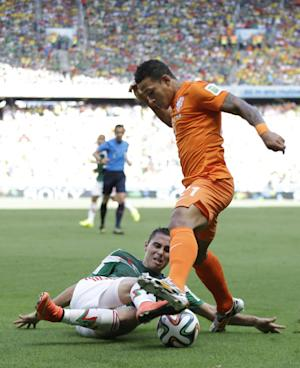 Memphis Depay starts for Dutch against Costa Rica