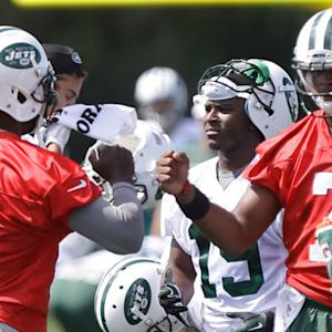 New York Jets: QB Michael Vick or Geno Smith?