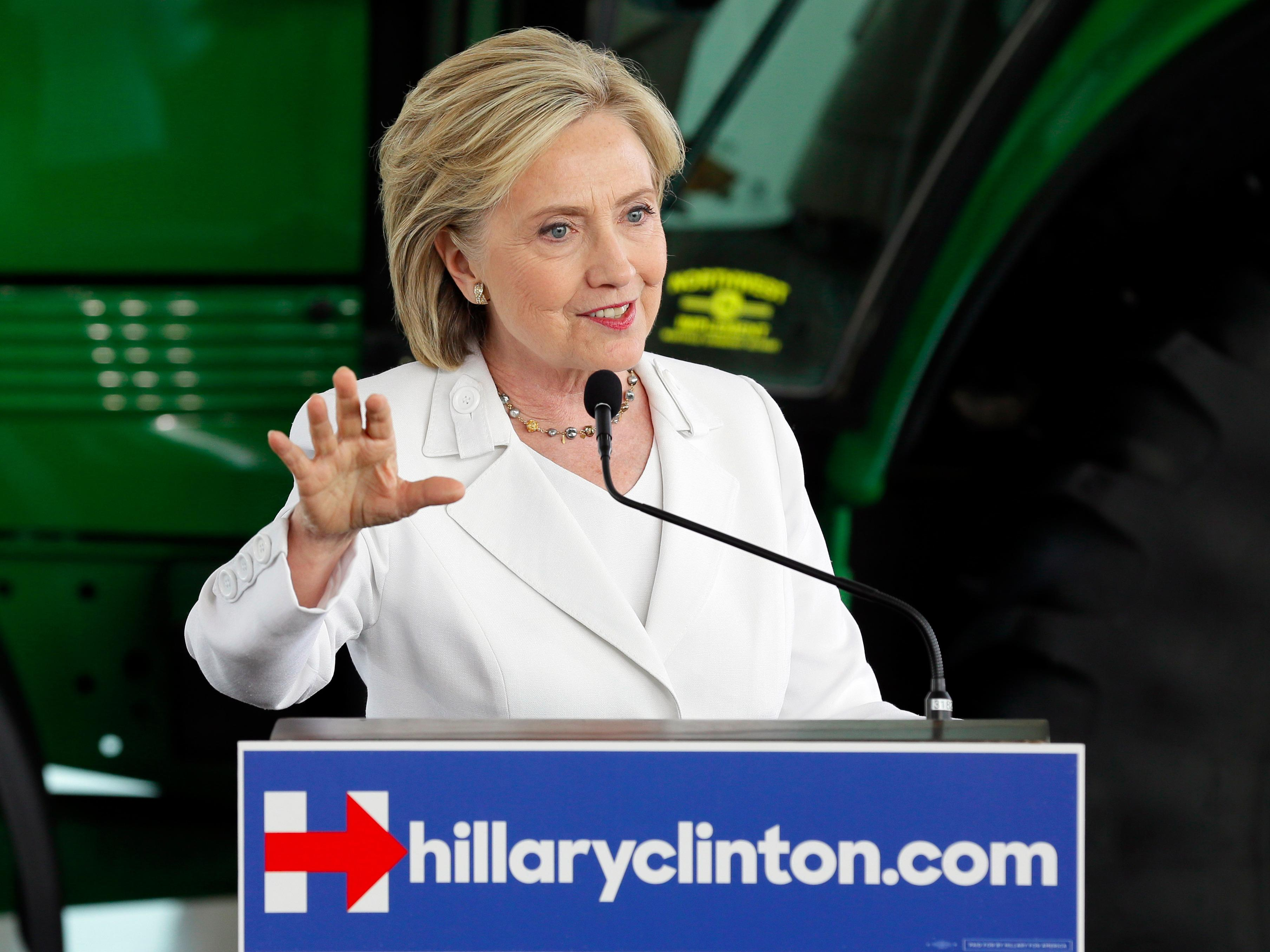 Hillary Clinton on Virginia journalist shooting: 'We must act to stop gun violence'