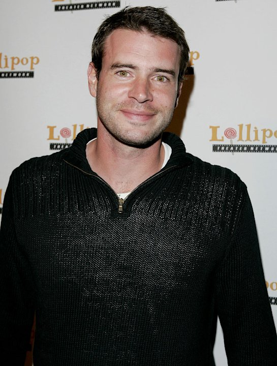 Scott Foley at the Stars Make Their Voices Heard at a Silent Auction for Lollipop Theater Network.