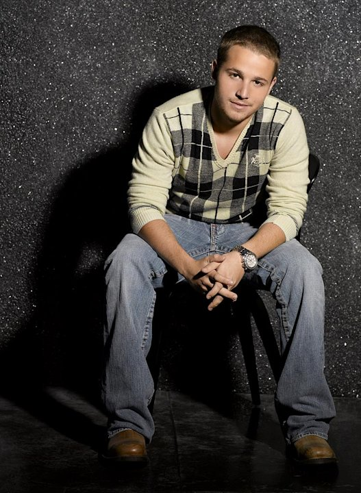 Shawn Pyfrom stars as Andrew Van De Kamp in Desperate Housewives.