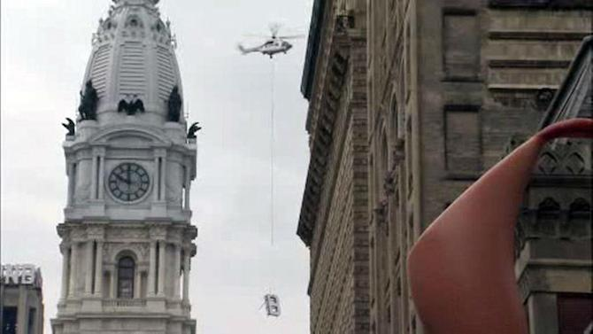 PHOTOS: Helicopter removes 'PNB' letters from Philly skyline