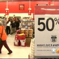 Last-Minute Christmas Shoppers Scurry For Deals In Denver