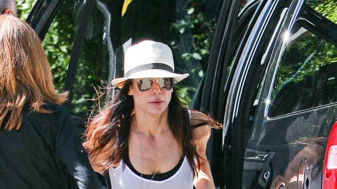 Sandra Bullock Leaves Home