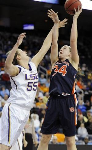 No. 22 LSU women survive for 65-62 win over Auburn