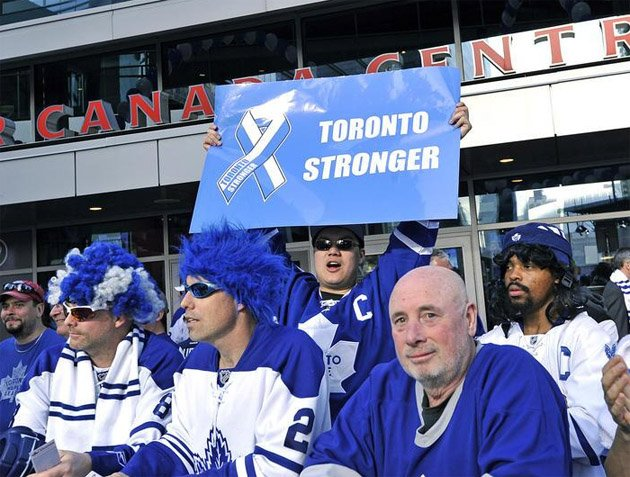 Maple Leafs Fan Brings 'Toronto Stronger' Sign To Game 3 Vs. Bruins, Invites International Scorn