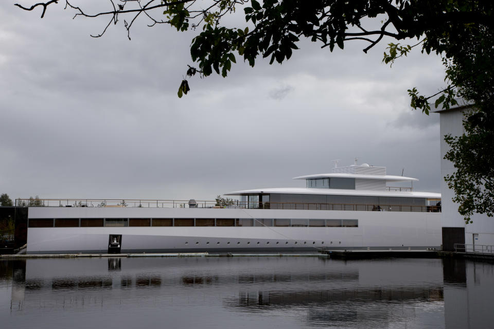 Steve Jobs' yacht caught up in payment spat