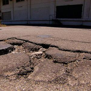 Smarter Driver: Tips for avoiding damaging potholes