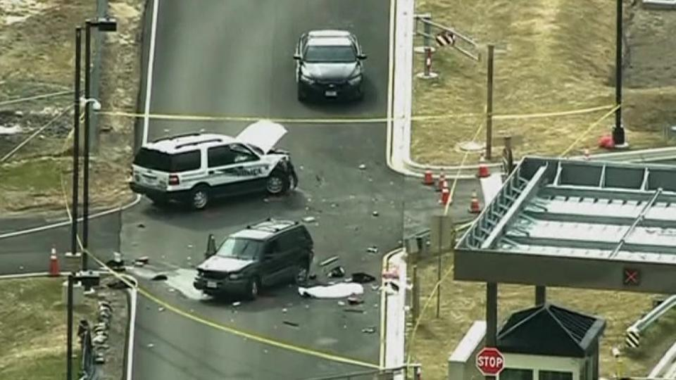 US officials: 1 dead after car tries to ram Fort Meade gate
