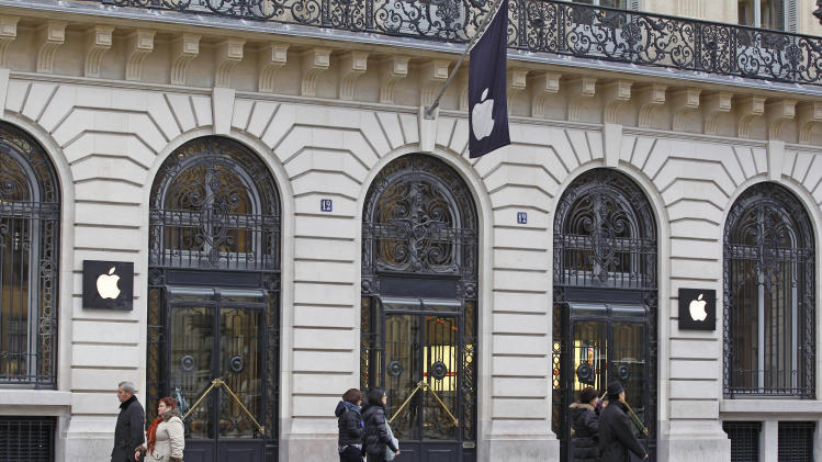 Thieves break into Paris' flagship Apple store