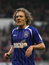 Jimmy Bullard wants regular first-team football