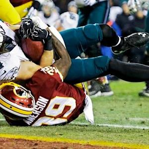 Philadelphia Eagles quarterback Mark Sanchez finds wide receiver Riley Cooper for a 3-yard touchdown