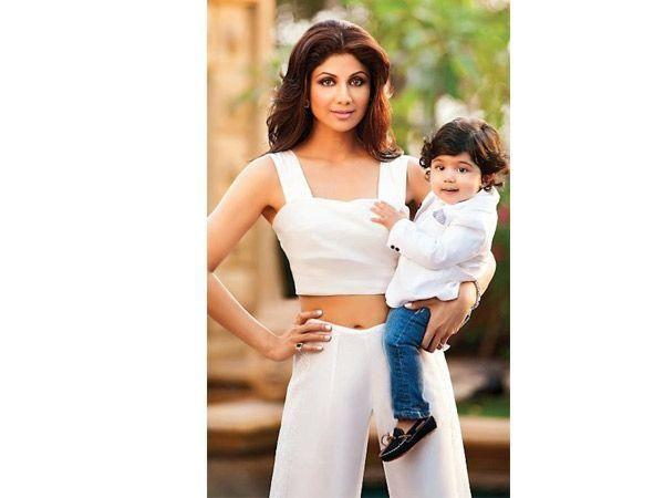 Image courtesy : iDiva.comNames: Viaan Raj kundra Parents: Shilpa Shetty and Raj Kundra Meaning: Shilpa's boy's names means full of life and energy. Yes, we like the sound of his names and what it sym