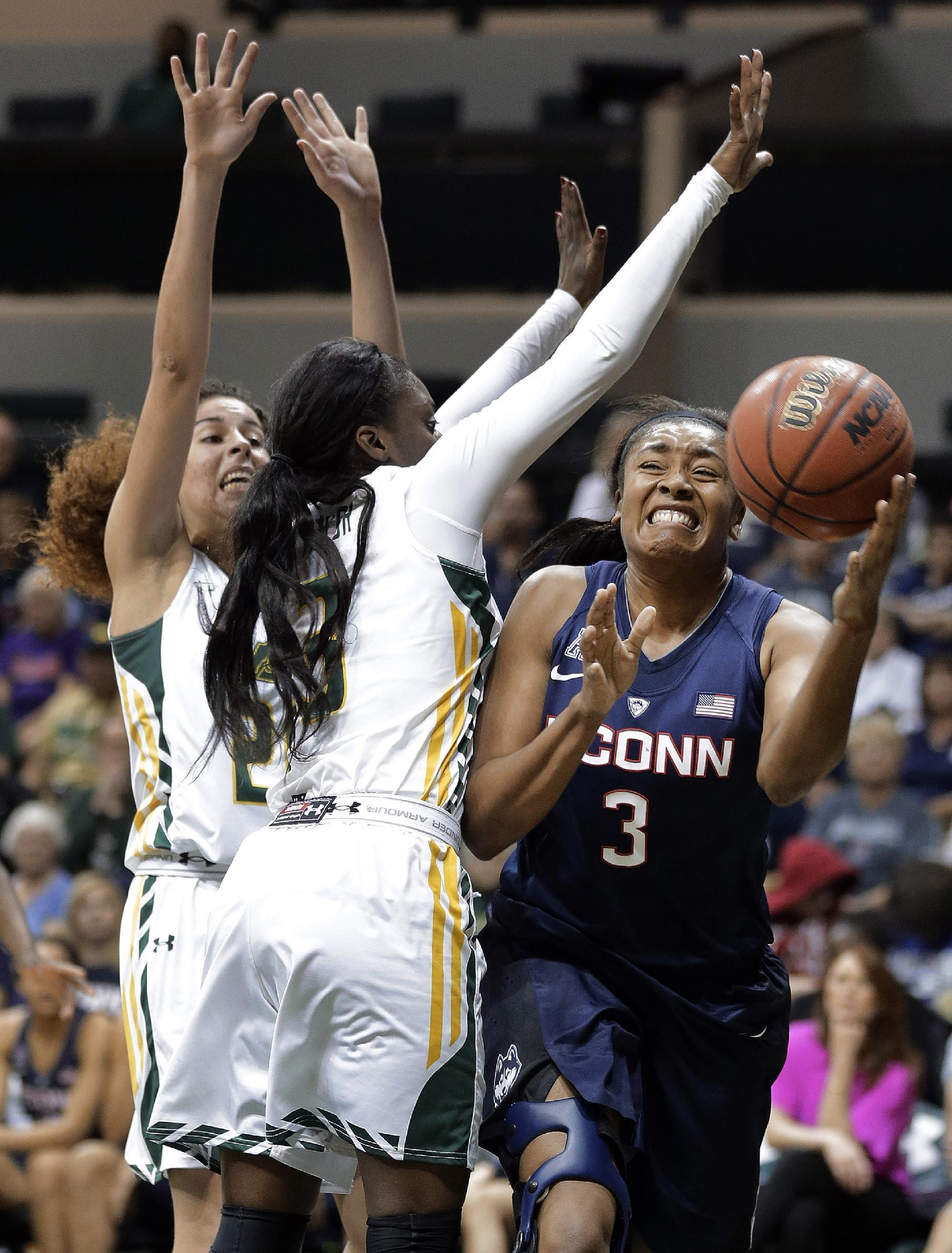 Stewart scores 29, top-ranked UConn beats USF 88-65