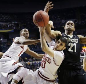Vanderbilt downs Arkansas 75-72 in SEC tournament