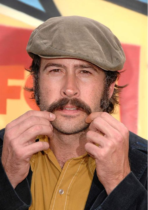 Jason Lee arrives to the 2007 Teen Choice Awards.