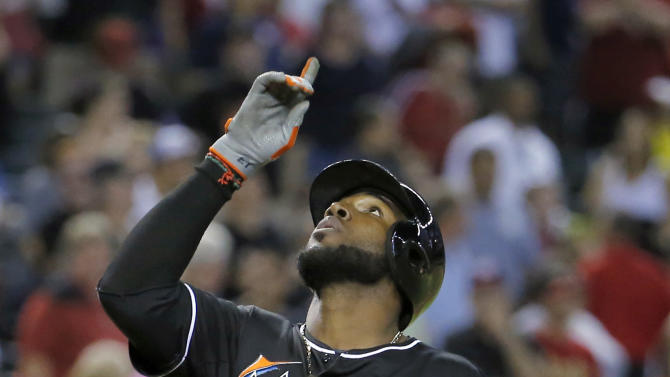 Ozuna's 9th-inning HR gives Marlins 2-1 victory