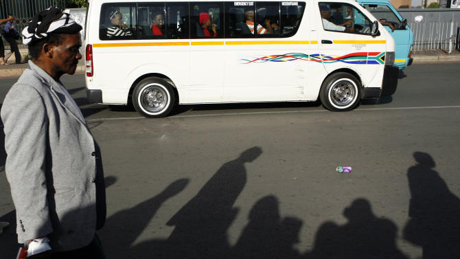 South African whites earn 6 times more than blacks