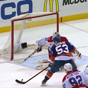 Cizikas beats Holtby late in 1st period