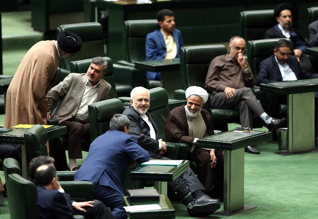 Iran parliament approves nuclear deal with world powers