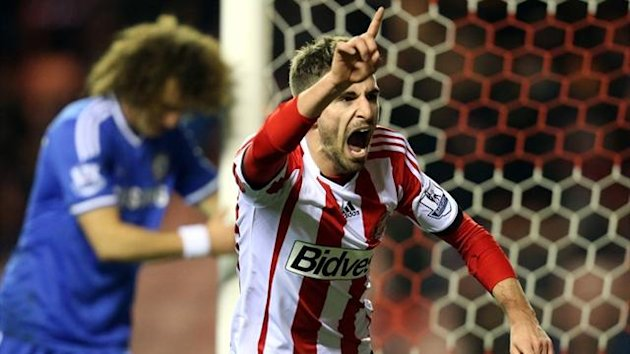 Sunderland's Italian forward Fabio Borini (R) celebrates scoring against Chelsea in the League Cup (AFP)