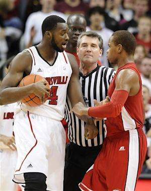 No. 4 Louisville rallies to beat W. Kentucky 70-60