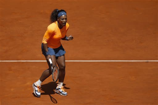 Serena Williams advances in 2 sets at Madrid Open