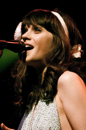 Zooey Deschanel nabs a Globe nomination!