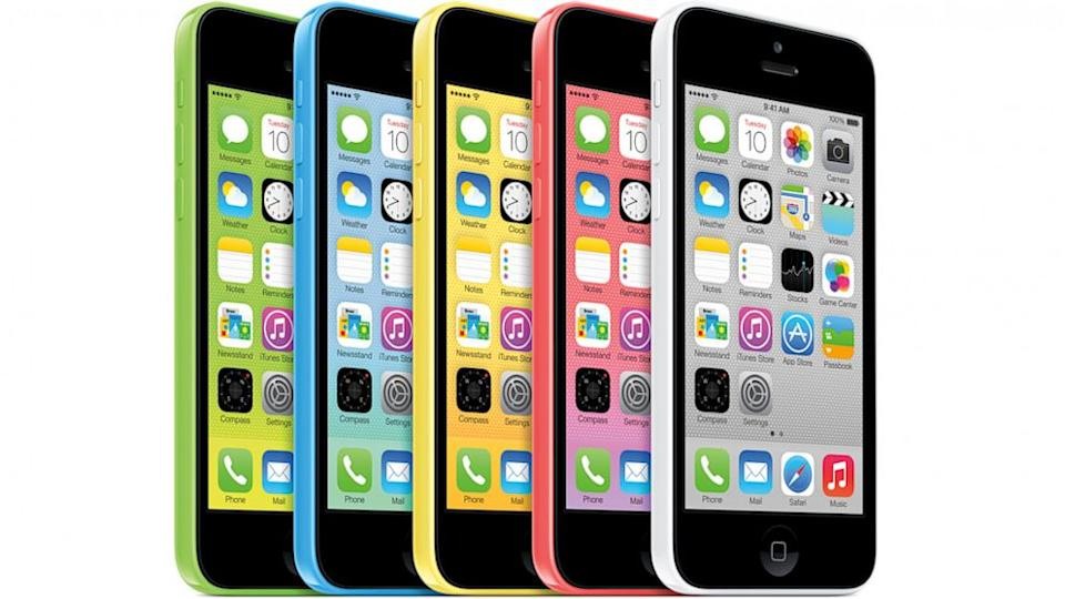 iPhone 5c a Flop? Apple Reportedly Cuts Orders on Lower-Cost Model