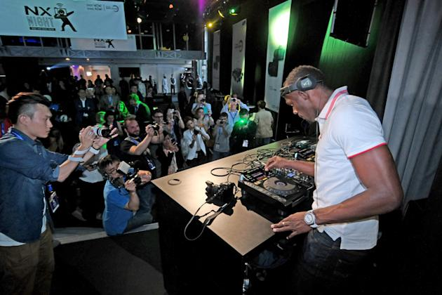 Usain Bolt DJ's For His Fans At An Exclusive Samsung Event In Paris