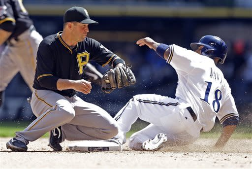 Marte's HR keys 4-run 8th as Pirates beat Brewers