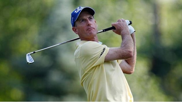 Furyk in charge at Firestone, Woods seven back